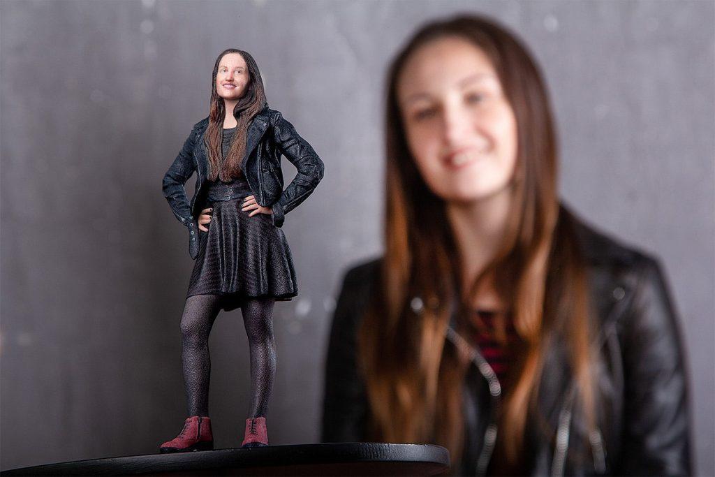 3D-Figur Mädchen in einem Rock