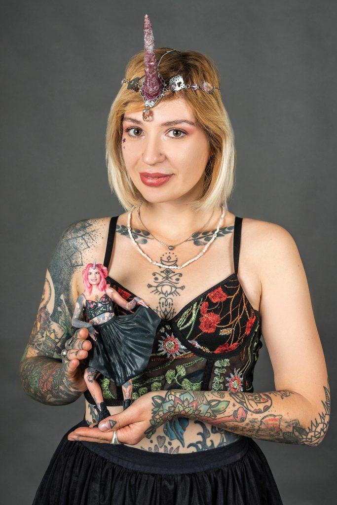 3D-Figur eines hellen Mädchens
