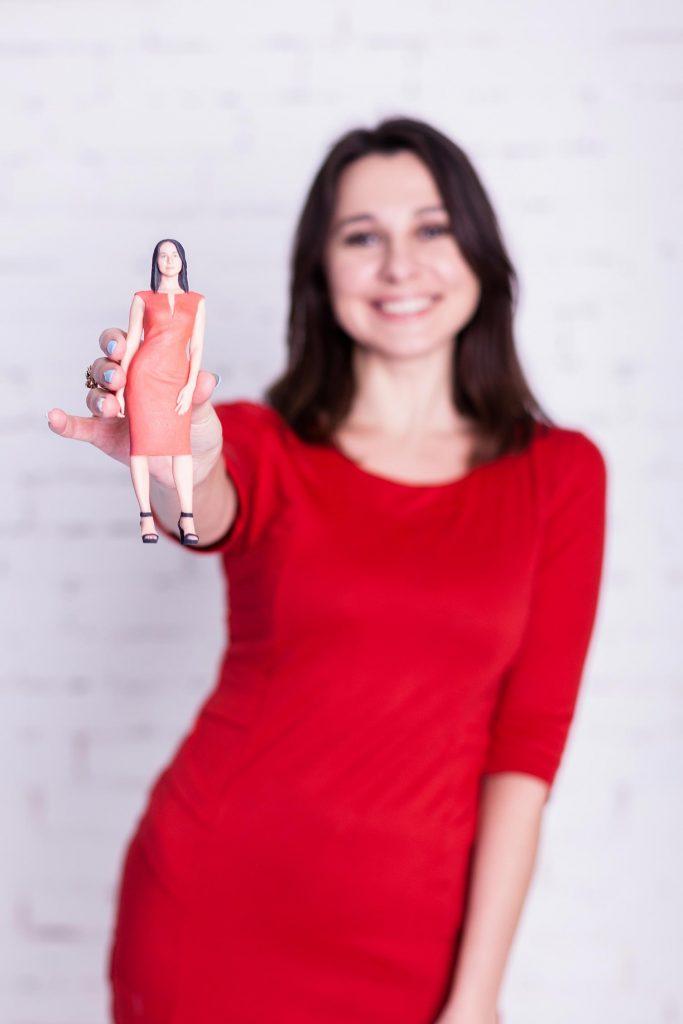 3d Figur eines Mädchens in Rot